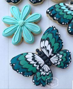 🍁🍁Finally feels like fall! Sunflower Cookies, Flower Sugar Cookies, Butterfly Cookies, Leaf Cookies, Sugar Cookie Royal Icing, Iced Cookies, Easter Cookies, Valentine Cookies, Birthday Cookies