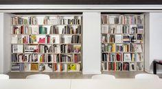 BrickBox Library.  LCI Design School (Barcelona) #brickbox #cajasdemadera #cajasmodulares #módulosdiseño #estanteríamodular #estanteríalibros #cajasapilables #almacenajediscos #estanteríamodular #plywoodboxes #shelfsystem #woodboxes #modularboxes #stackableboxes #regalsystem #regale #etagere #bibliothèque