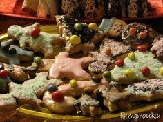 ΛΑΜΠΡΟΥΚΑ: Χριστουγεννιάτικα μπισκότα και δεντράκια όλο γλύκα!
