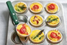 Crustless Mini Quiches recipe from Epicurious. Ingredients: nonstick cooking spray, head broccoli, thick stems removed and separated into florets, 6 large eggs, 6 large egg yol. Mini Quiches, Mini Pies, Breakfast Desayunos, Breakfast Recipes, Breakfast Ideas, Protein Breakfast, Brunch, Tapas, Mini Quiche Recipes