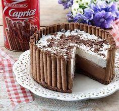 Μια πανεύκολη, για αρχάριους, συνταγή για μια αφράτη τούρτα ψυγείου σε φωλιά από 'Caprice'. Μια πολύ εύκολη και γρήγορη λύση για ένα υπέροχο σοκολατένιο γλ Greek Sweets, Greek Desserts, Party Desserts, Summer Desserts, Greek Recipes, Pastry Recipes, Cookbook Recipes, Cake Recipes, Dessert Recipes