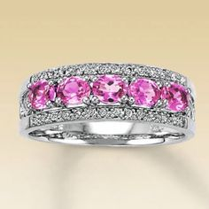 Pink sapphires <3 I had this ring once upon a time last year. I love it!