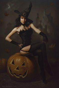 Halloween Vintage, Halloween Pin Up, Happy Halloween, Halloween Costumes, Vintage Witch, Halloween Countdown, Gothic Halloween, Halloween Witches, Halloween Town