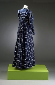 Long deep blue dress with white 'spotted' print Material(s): cotton Technique(s): woven (plain weave) and printed Creation date: 1800-1804  Bath Museum of Costume in Bath, UK