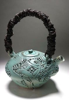 Cory Lum and Diane KW carved green teapot. Pottery Teapots, Ceramic Teapots, Ceramic Pottery, Ceramic Art, Ceramic Design, Chocolate Pots, Chocolate Coffee, Tee Set, Teapots Unique