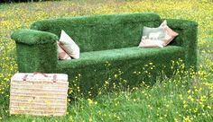 Outdoor Artificial Grass Garden Sofa by Evergreen Direct #terraza #céspedartificial #www.stepongreen.com