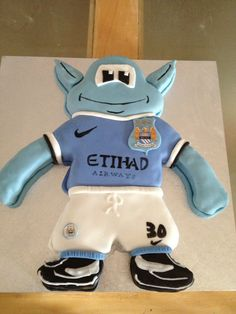 Moonchester cake Manchester city.