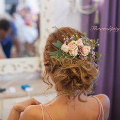 Flowers in her hair Wedding Hairstyle, Hair Wedding, Wedding Dresses, Girls Dresses, Flower Girl Dresses, Bride Flowers, Her Hair, Roses, Crown