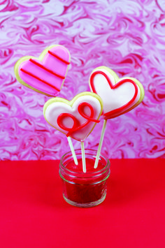 These are too cute! Heart Cookie Pops Perfect for Valentine's Day http://thestir.cafemom.com/food_party/132568/heart_cookie_pops_perfect_for?utm_medium=sm&utm_source=pinterest&utm_content=thestirs