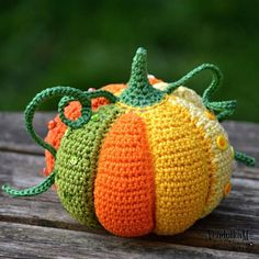 Patchwork pumpkin amigurumi pattern by VendulkaMMagic with hook and needles: Patchwork pumpkinDo you play with me? The pattern is ready imy store. Clickable link in bio .Colorful world of crochet desings, patterns and tips for DIY Thanksgiving Crochet, Crochet Fall, Holiday Crochet, Knit Crochet, Crochet Leaves, Crochet Flower, Crochet Amigurumi, Amigurumi Patterns, Crochet Toys