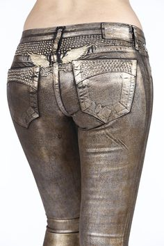 The Night Fever style jeans are a signature collection treatment of the fashion-forward brand, Robin's Jean. These straight leg jeans are not only comfortable, but exceedingly stylish for the South Beach lifestyle and beyond. Featuring light Colorado topaz accents, these bronze Night Fever denim jeans scream couture and high fashion.