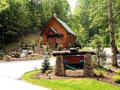 Gatlinburg Chapel WeddingSmokey Mountain Wedding Cabin Pigeon Forge WeddingOutdoor