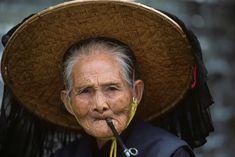 Bilderesultat for old woman hong kong