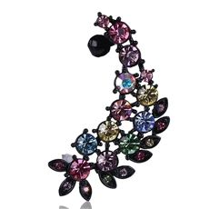Renkli kristal taşlı kıkırdak küpemiz  renkli kristal yapraklara sahiptir.Canlı ve şık bir tasarıma sahiptir küpemiz sizlerle.