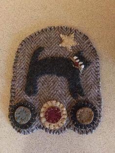 Penny Rugs, Wool Felt, Felted Wool, Wool Applique, Mug Rugs, Winter Hats, Felting, Type 3, Theater