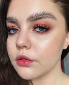 The new feathered brow just arrived and it's breaking the internet