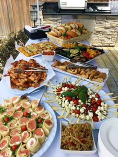 Teresa House's media content and analytics Party Food Bars, Party Food Buffet, Party Food Platters, Wine Party Appetizers, Appetizers Table, Appetizer Buffet, Appetizer Recipes, Food Displays, Appetisers