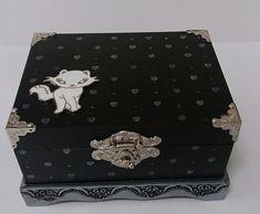 Caixa decorada preta e prata gatinha