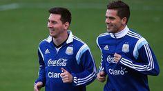 ¿El mejor socio? Los números de Fernando Gago junto a Lionel Messi en la Selección http://www.infobae.com/deportes-2/2017/10/02/el-mejor-socio-los-numero-de-fernando-gago-junto-a-lionel-messi-en-la-seleccion/