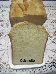 La meilleure recette de Pain de mie en machine à pain.! L'essayer, c'est l'adopter! 5.0/5 (1 vote), 2 Commentaires. Ingrédients: 700 gr de farine.1 œuf. 50 gr de beurre doux.30 cl de lait. 2 sachets de levure sèche à pain. 2 c à café de sel fin. 3 c à soupe de sucre en poudre. du beurre doux pour la dorure.