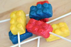 Legos!! Legos Cake Bites Two Ways · Edible Crafts | CraftGossip.com