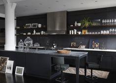New York City Loft - Featured Projects - Monique Gibson Modern Apartment Design, Loft Interior Design, Home Interior, Black Kitchen Cabinets, Black Kitchens, Cool Kitchens, Kitchen Black, New Yorker Loft, Style Loft