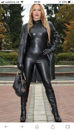 Black Leather Gloves, Leather Pants, Latex Bodysuit, Lady Ann, Jumpsuit Dressy, Leder Outfits, Sexy Latex, Leather Dresses, Sexy Boots