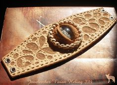 Jeweleeches Vivian Hebing handmade leather, making a bracelet with an 'eye' of glass, also made by me!