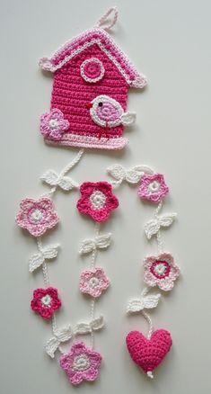 Crochet Bunting, Crochet Garland, Crochet Birds, Crochet Motifs, Crochet Decoration, Crochet Flowers, Crochet Home, Crochet Crafts, Crochet Projects