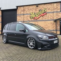 Vw Sharan, Volkswagen Touran, Vw Tiguan, Vw Beetles, Bmx, Cars And Motorcycles, Porsche, Transportation, Vans