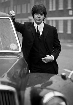 Paul McCartney ♥ this is the B & W version of the same pic I have pinned above somewhere