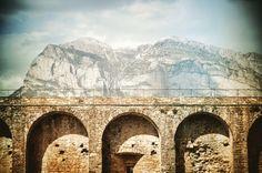 No hay murallas tan altas que no dejen ver hermosas montañas