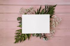Floral composition with template and pink background Free Photo Computer Wallpaper, Screen Wallpaper, Iphone Wallpaper, Backgrounds Free, Wallpaper Backgrounds, Wallpapers, Vintage Typography, Vintage Logos, Retro Logos