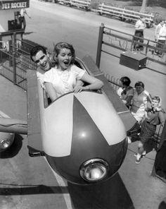Riding the Jet Rocket Riverview Park, Rocket Ride, Fair Rides, Tunnel Of Love, Chicago, Amusement Park Rides, Carnival Rides, Fun Fair, Coney Island