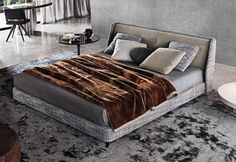 "Minotti bed ""Spencer"""
