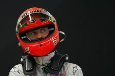 Acidente de Schumacher aconteceu por conta de o piloto ter tentado salvar uma menina em perigo.