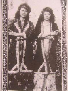 Kurdish Kermanshan girls Eastern Kurdistan 1920 -193
