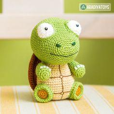 """Häkelanleitung für Schildkröte Gina aus der """"AradiyaToys Design""""-Kollektion - Häkelanleitungen bei Makerist"""