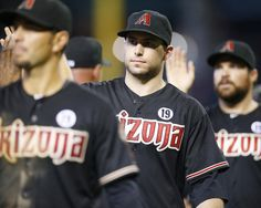 Arizona Diamondbacks slap hands!