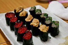 ikuara, uni & kanimiso Kinds Of Sushi, Uni, Ethnic Recipes, Food, Essen, Meals, Yemek, Eten