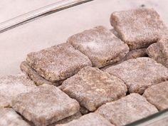 A palha italiana mistura o sabor do brigadeiro com o crocante do biscoito. Aprenda a fazer este delicioso doce para todas as horas!