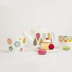 mug et tasses en porcelaine (c) Mini labo pour Atomic Soda (photo Marion Dubier Clark)