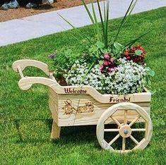 Resultado de imagen de how to build a wooden wheelbarrow planter from pallets Wooden Planters, Wooden Garden, Diy Planters, Planter Ideas, Outdoor Projects, Garden Projects, Wood Projects, Diy Jardin, Wheelbarrow Planter