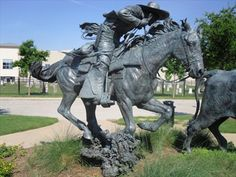 Sculpture in Frisco, Texas, The are sculptures all throughout Frisco. There is a trail with information about them. Judi Wright, The Judi Wright Team at Ebby Halliday Stuff To Do, Things To Do, Garden Sculpture, Lion Sculpture, Equestrian Statue, Frisco Texas, Texas Travel, Mexican Art, Metal Art