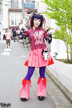 <3 she is just badass ------------- DJ Bazookistan w/ Takuya Angel Claws & Cyber Hair Falls in Harajuku