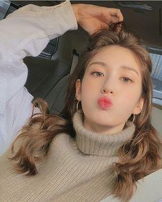 South Korean Girls, Korean Girl Groups, K Pop, Jungkook Jeon, Babe, Jeon Somi, Korean Beauty, Korean Singer, Kpop Girls