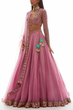 Indian Fashion Dresses, Indian Bridal Outfits, Dress Indian Style, Indian Designer Outfits, Designer Dresses, Lengha Blouse Designs, Lehenga Saree Design, Choli Designs, Full Sleeves Blouse Designs