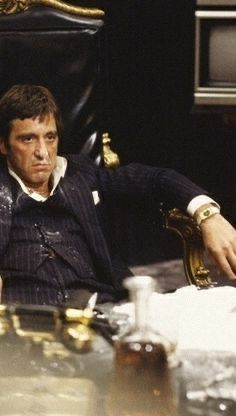 Al Pacino (B-Day) is 81 on April 25th. And Al's only ever picked up ONE Academy Award in his entire career. One. Scarface Poster, Scarface Movie, Pablo Emilio Escobar, Carlito's Way, Mafia Crime, Estilo Cholo, Mike Tyson, Thug Life, The Godfather