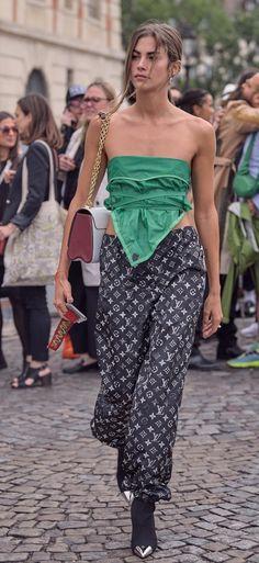 High Street Fashion, Street Style Women, Clara Berry, Spring Summer Fashion, Autumn Fashion, Turtleneck Fashion, Girl Fashion, Fashion Outfits, Latest Fashion For Women