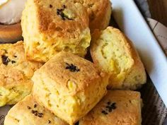 HMで簡単♡さつまいもスコーンの画像 Sweet Potato Scones Recipe, Fun Desserts, Dessert Recipes, Morning Food, Cornbread, Baked Goods, Biscuits, Food And Drink, Sweets